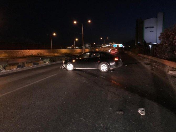 Otomobil ile motosiklet çarpıştı, sürücünün bacağı koptu