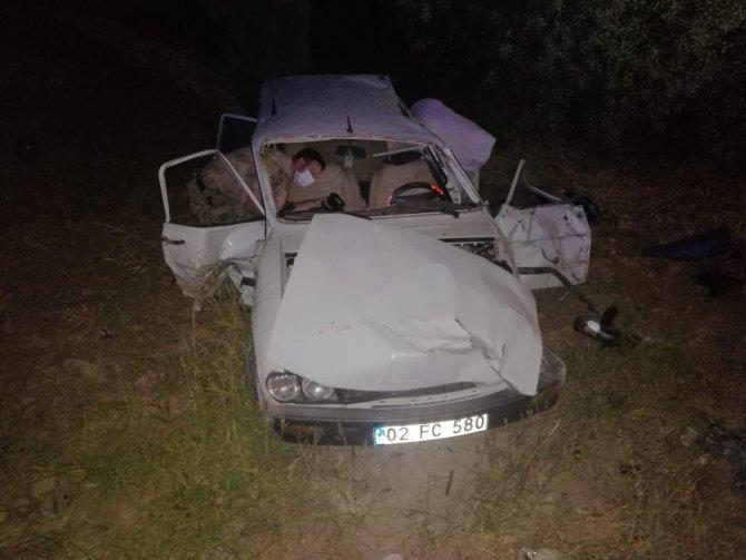 Otomobil şarampole devrildi: 1 ölü, 4 yaralı