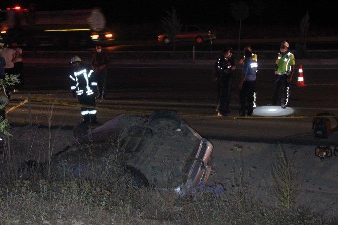 Koyuna çarpan otomobil takla attı: 1 ölü