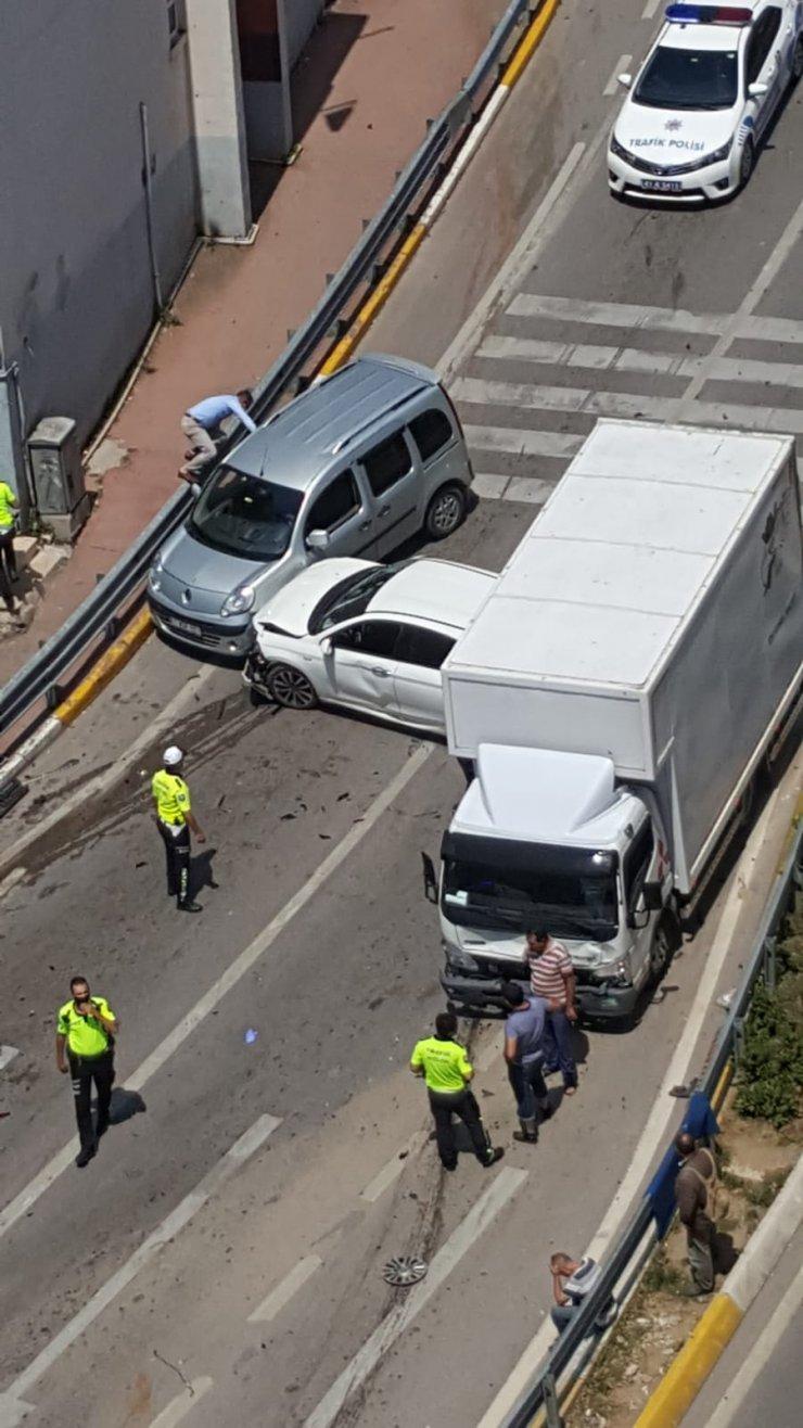 'Ölüm rampası'nda 7 araç çarpıştı