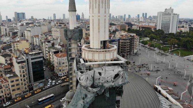 Taksim Camii'nin şerefesi göründü
