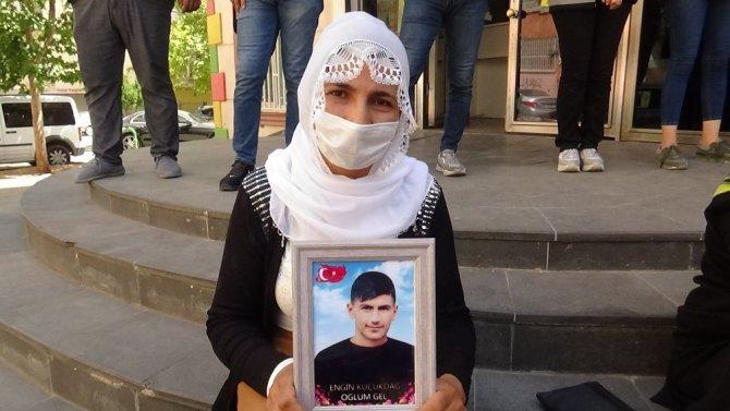 HDP önündeki ailelerin evlat nöbeti 331'inci gününde
