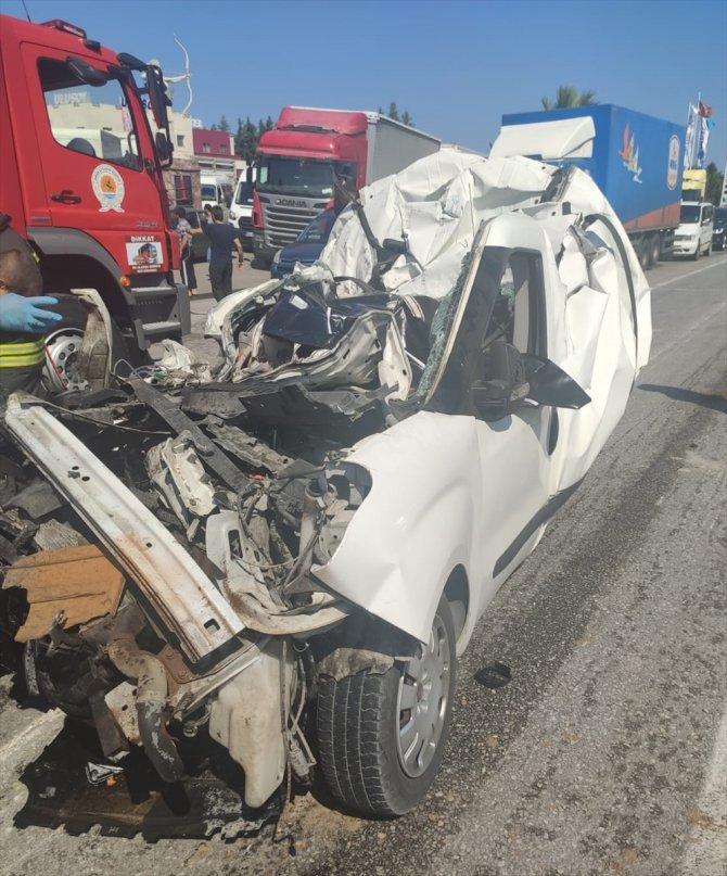 Samsun'da tırın çarptığı kamyonetteki 1 kişi öldü, 1 kişi yaralandı