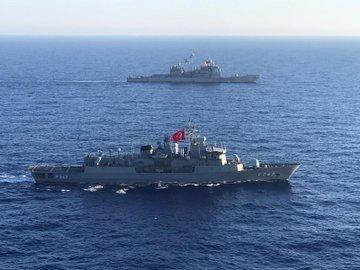 MSB duyurdu! Türk ve ABD gemilerinden Akdeniz'de eğitim