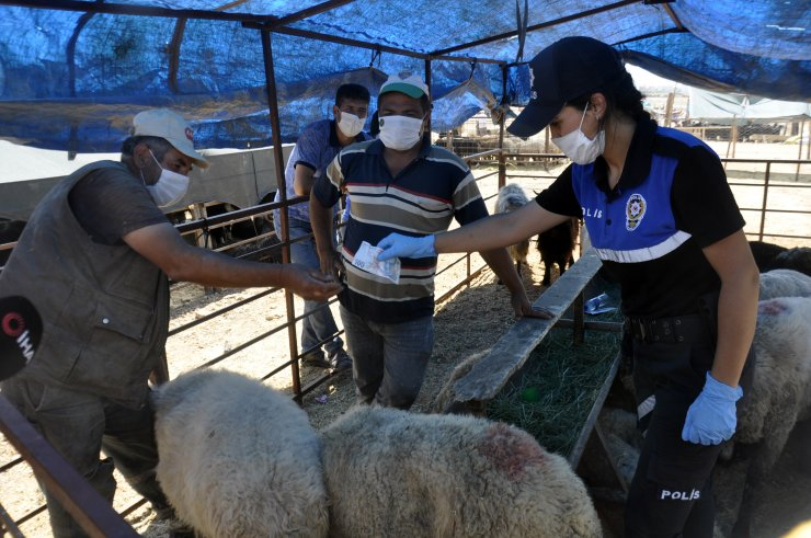Polis sahte parayla hayvan aldı, kontrol etmeyen satıcıyı uyardı
