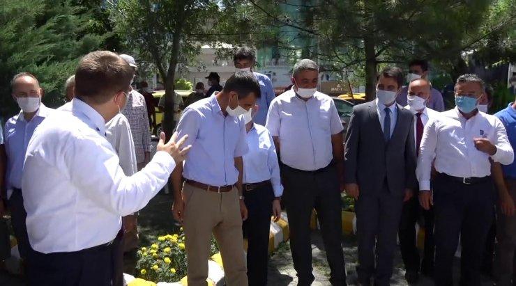 Iğdır Valisi Sarıibrahim'den bayramlaşmada mesafe uyarısı