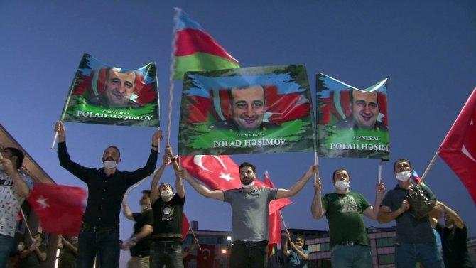 İstanbul'da Azerbaycan'a destek mitingi