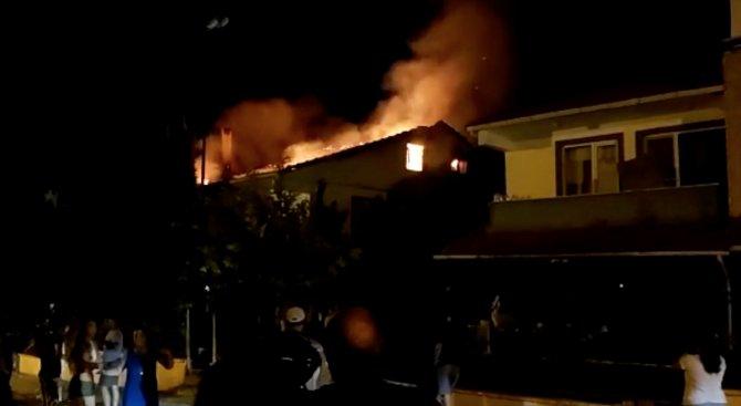 Yazlık evde çıkan yangın söndürüldü