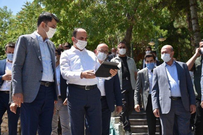 Bakan Kurum'dan Konya'da bayram ziyareti