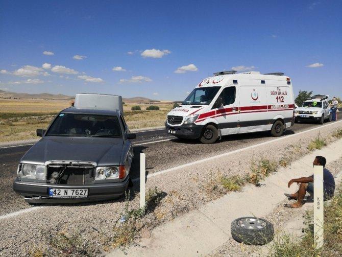 Eşinin mezarından dönerken kaza yaptı