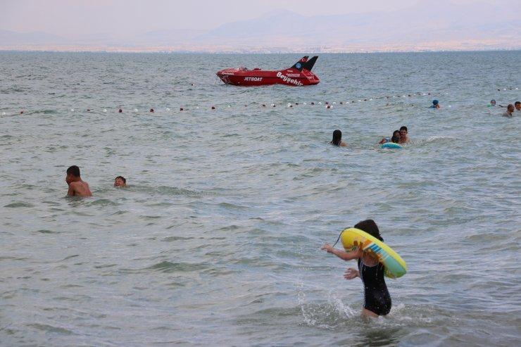 Beyşehir Gölü'nde plaj keyfi