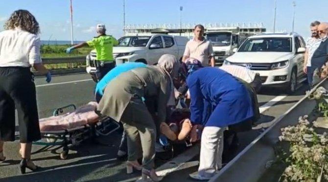 Minibüsün çarptığı kadını hayata döndürmek için yoğun çaba harcadılar ama...