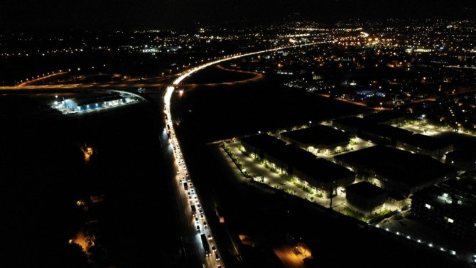 TEM'de zincirleme kaza: 1 ölü, 2 yaralı