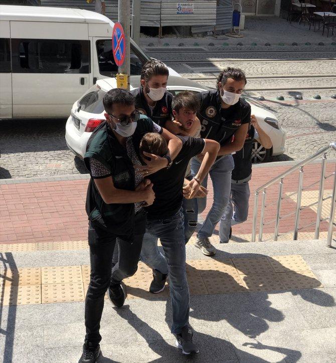 Kocaeli'de uyuşturucu operasyonunda yakalanan 7 şüpheliden 5'i tutuklandı