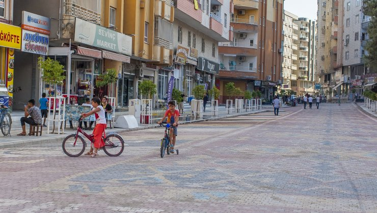 Mardin'de kilim desenli sokaklar ilgi odağı oldu
