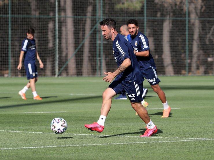 Fenerbahçe'de hazırlıklar devam ediyor