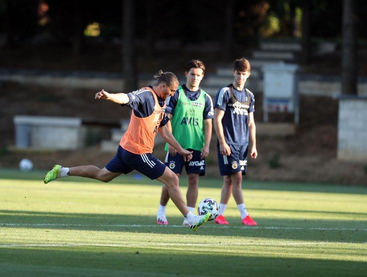 Fenerbahçe'de Novak ilk antrenmanına çıktı