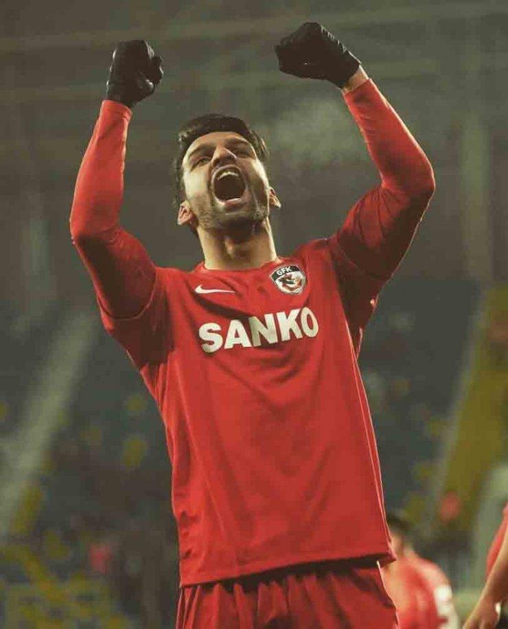 Konyaspor, İbrahim Sehic ve Muhammet Demir ile anlaştı