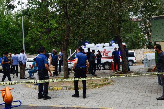 Iğdır'da çıkan kavgayı polis havaya ateş açarak ayırdı
