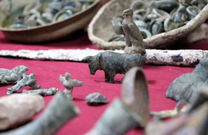 İzmir'deki operasyonda Lidya dönemine ait sikkeler de ele geçirildi