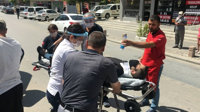 Konya'da tansiyonu düşen sürücü refüjdeki elektrik direğine çarptı
