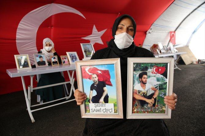 """Diyarbakır annesinin, """"Oğlum Roşat, yeter artık Allah rızası için dön gel"""" feryadı"""