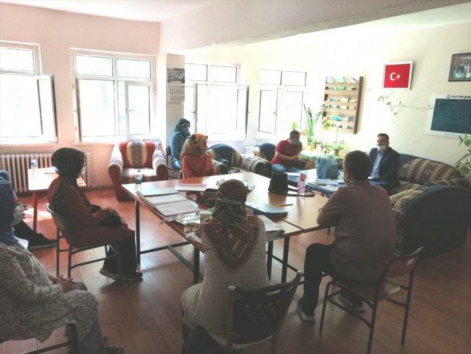 Bozkır İlçe Milli Eğitim Müdürü Ramazan Özgür, okul idarecileriyle buluştu