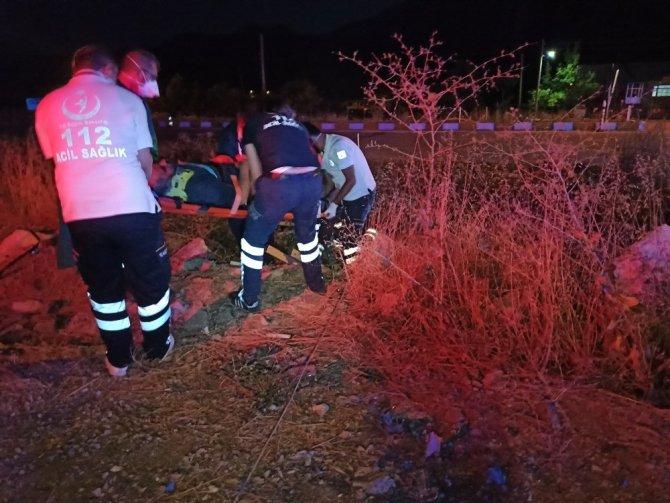 Konya'da otomobil şarampole yuvarlandı: 2 yaralı