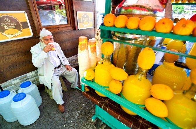 Limonatasıyla 43 yıldır müşterilerinin içini ferahlatıyor