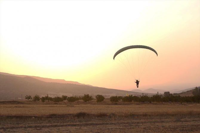 İvriz Havacılık ve Doğa Sporları Kulübü Derneği ilk pilotlarını mezun etti
