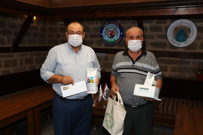 Konya Büyükşehir'den bin 154 muhtara hijyen seti