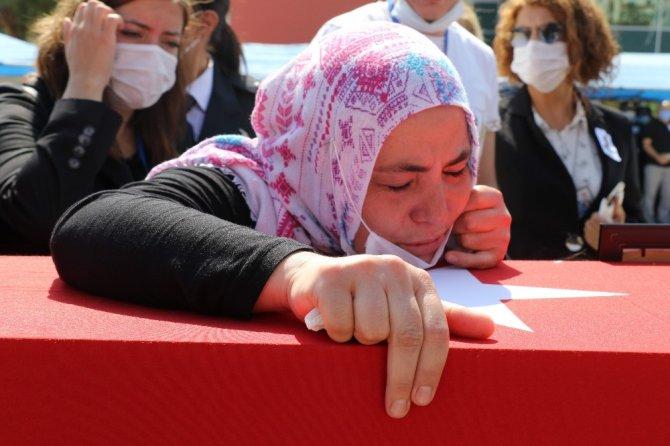 Trafik kazasında şehit düşen polis gözyaşları arasında Konya'ya uğurlandı