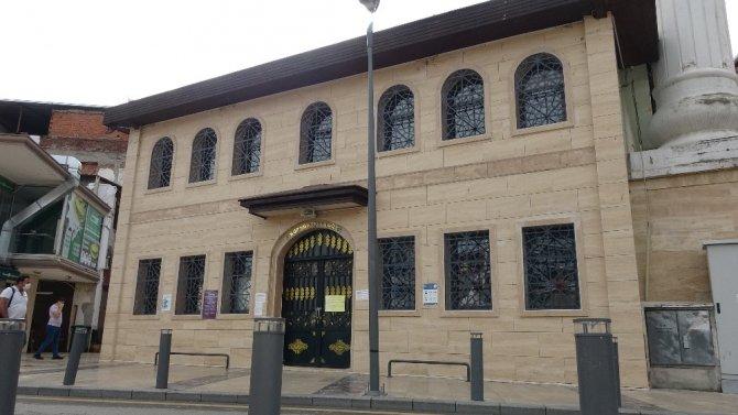 Müezzin koronavirüse yakalandı, camii geçici olarak ibadete kapatıldı