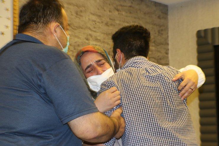 HDP önündeki eylemde 17'nci kavuşma; 5 yıllık hasret sona erdi
