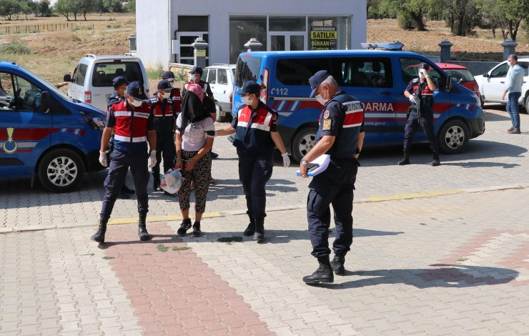 Otostopla bindikleri araçtaki engellinin 2 bin lirasını gasbeden kadınlar Konya'da yakayı ele verdi