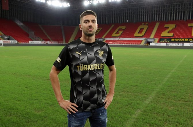 Göztepe, stoper Marko Mihojevic'i renklerine bağladı