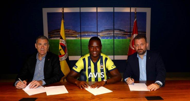 Mbwana Samatta resmen Fenerbahçe'de