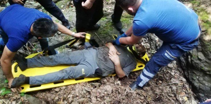 Ormanda kestane toplarken uçuruma yuvarlandı