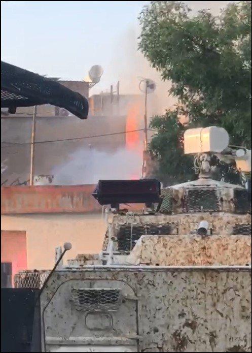 Diyarbakır'da evde çıkan yangın, TOMA ve zırhlı araçla söndürüldü