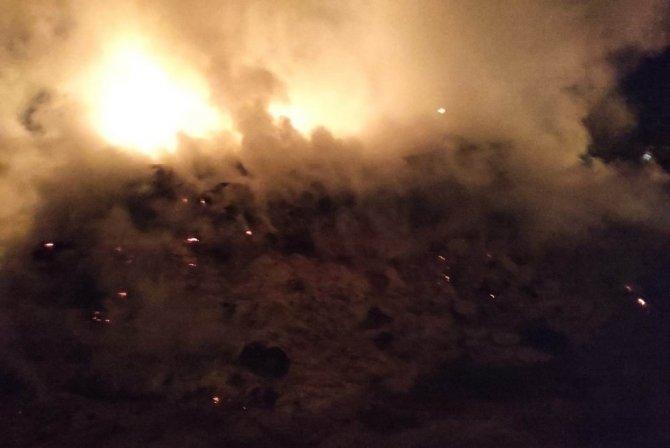 Konya'da evin bahçesindeki 5 bin saman balyası yandı