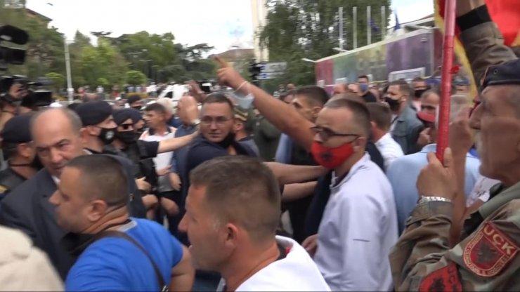 Kosova Kurtuluş Ordusu gazileri gözaltına alındı