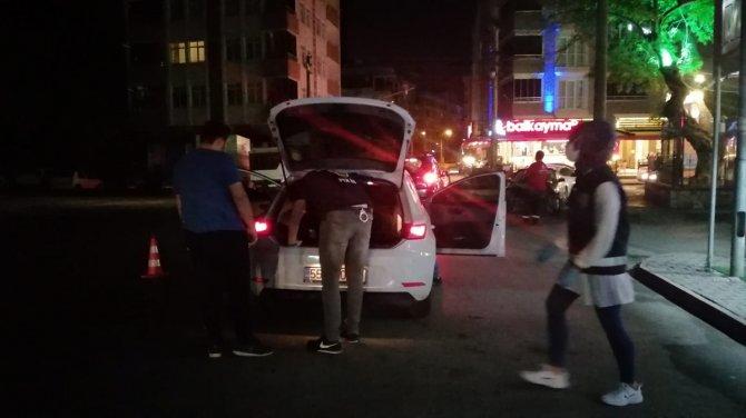 Samsun'da 250 polisle 'şok uygulama' 4 kişi yakalandı