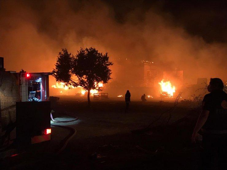 Palet fabrikasında büyük yangın!