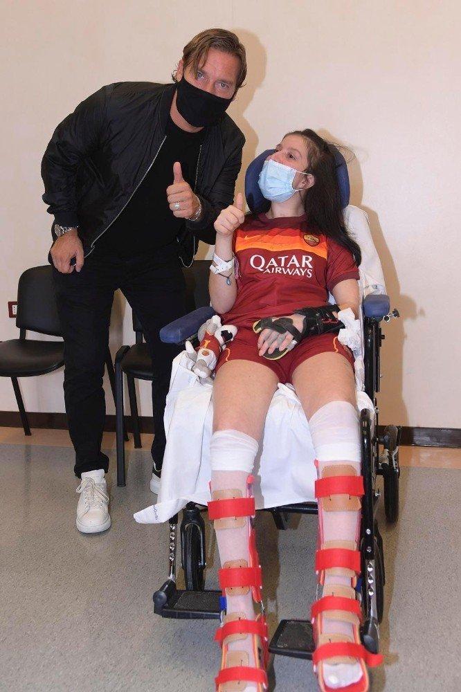 Komadaki genç sporcu Totti'nin sesiyle uyandı