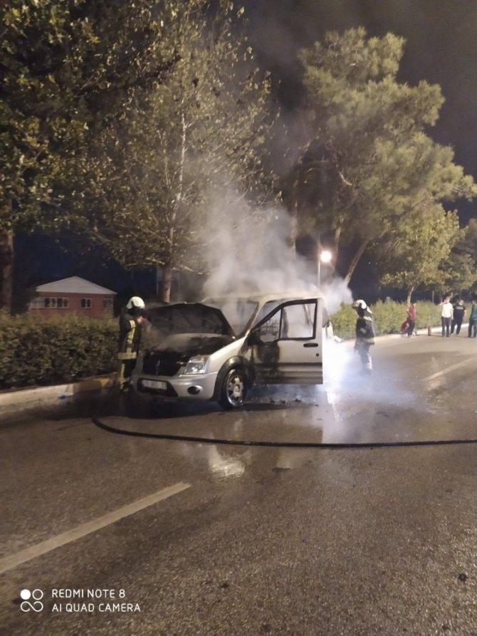 Araç yangınları arttı, uzmanlar düzenli bakım konusunda uyardı