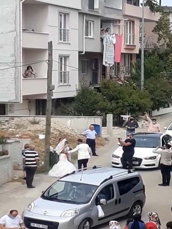 Bursa'da düğünde silahla ateş edenlere ceza!