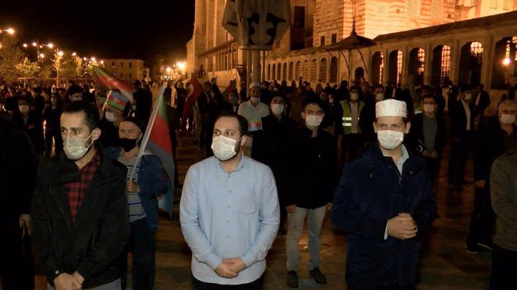Azerbaycan'a yönelik saldırılarda hayatını kaybedenler için gıyabi cenaze namazı kılındı