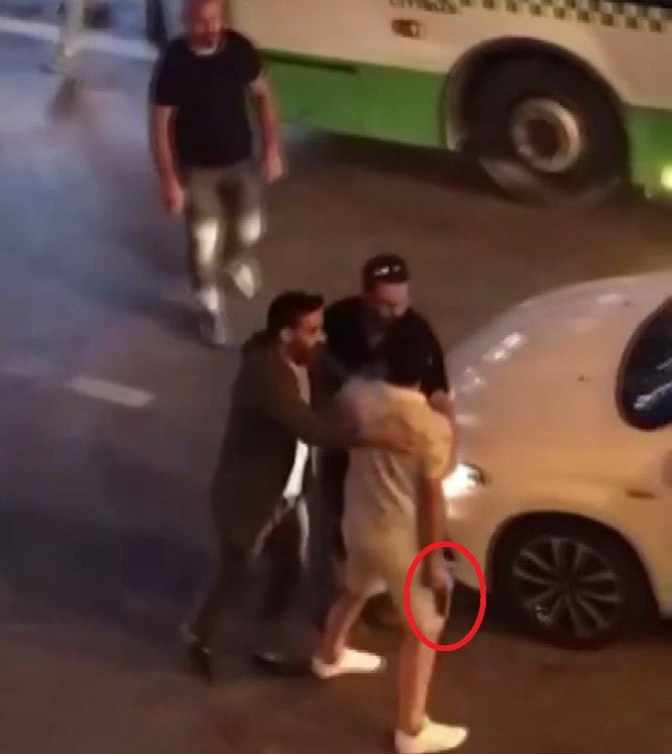 'Yol verme' kavgasında tabancayla sürücünün üstüne yürüdü (2)