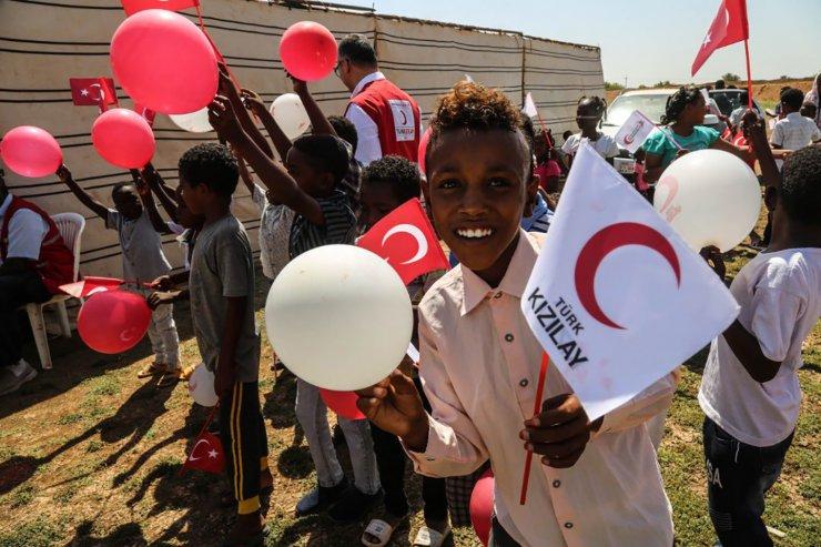 Sudanlı selzedelere evleri teslim edildi