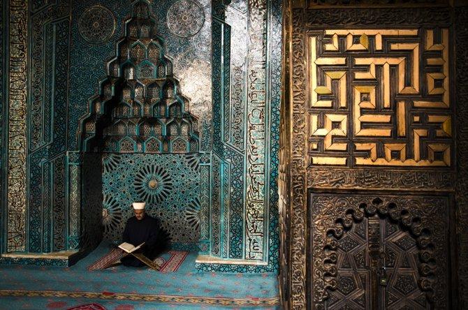 İçinde zamanın durduğu mekan: Eşrefoğlu Camisi